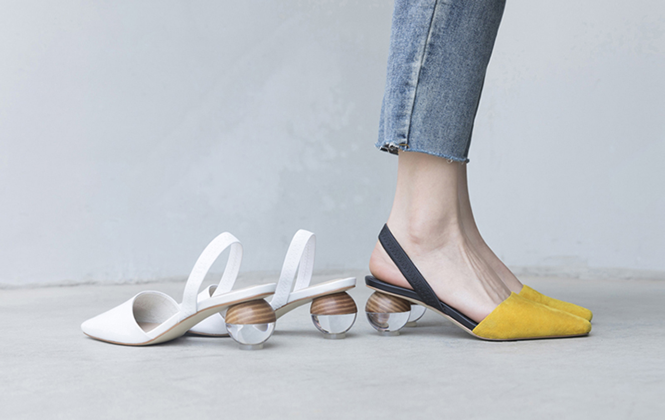 Trend Alert Treat Your Feet To Sculptural Heels In The Groove Fashion Shoes Pretty